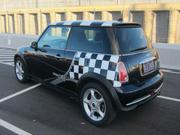 2005 MINI 2005 Mini Cooper Hatchback 5 sp manual black MY05